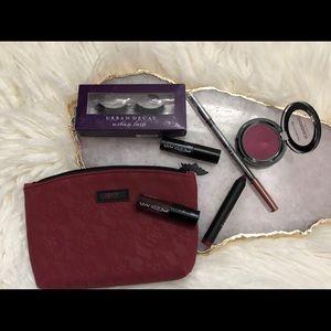 Urban Decay Makeup - Makeup bag and product bundle